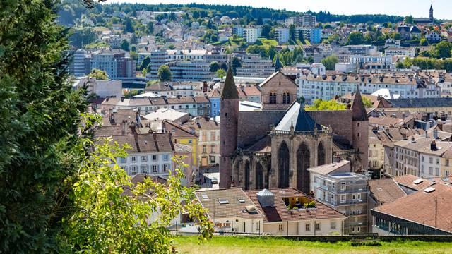 Centre ville d'Epinal - Vue sur la Basilique Saint Maurice