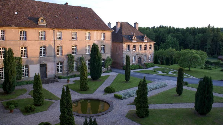 Étape 1 : 10h – Visite de l'Abbaye d'Autrey et son Jardin Remarquable