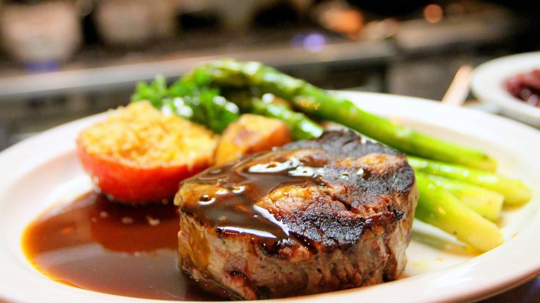 Étape 2 : 12h00 – Déjeuner dans un restaurant traditionnel.