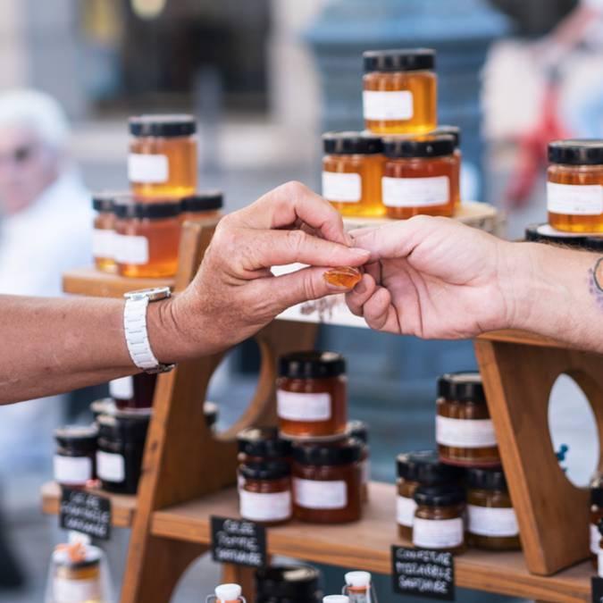 Marché Epinal - Marché couvert - Produits locaux - Produits du terroir - Produits vosgiens - Miel vosgien - miel de sapin