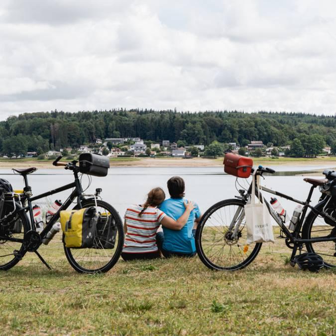 Mila et Denni - Un Monde à Vélo - Voie Bleue - Vélo - Véloroute - Piste Cyclable - Vélo au lac de Bouzey